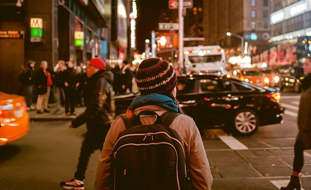 personas, caminar, ciudad
